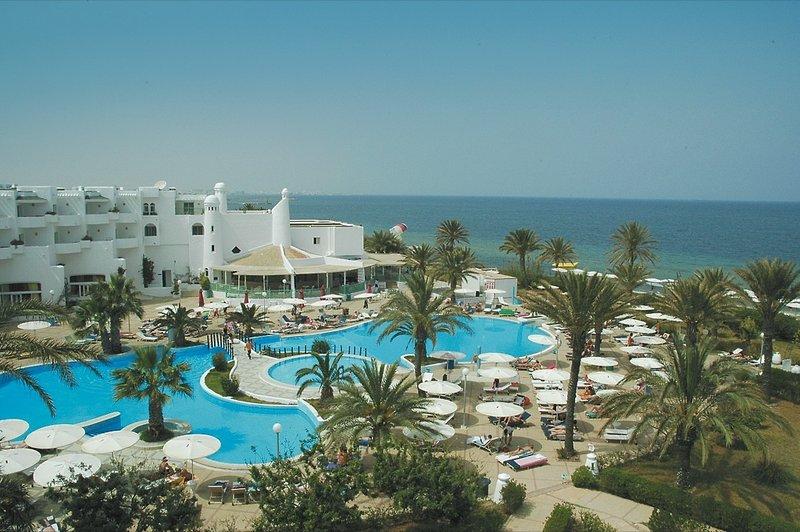 El-Mouradi-Skanes-Beach-Tunesien