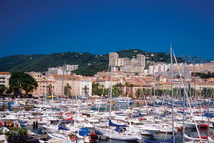 Hafen von Ajaccio auf Korsika