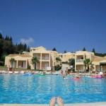 14 Tage Griechenland im 3 Sterne Olympion Village mit Transfer für 365€