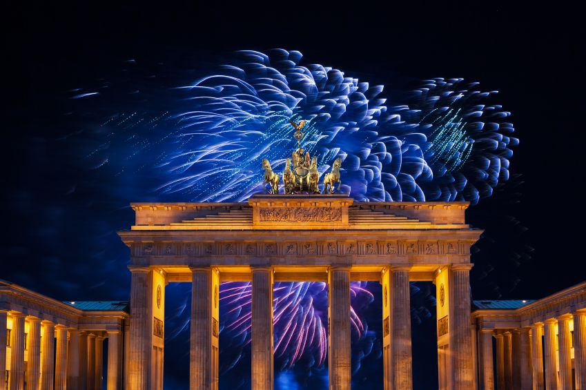 Germany, Berlin, Brandenburg Gate, Fireworks at New year´s Eve