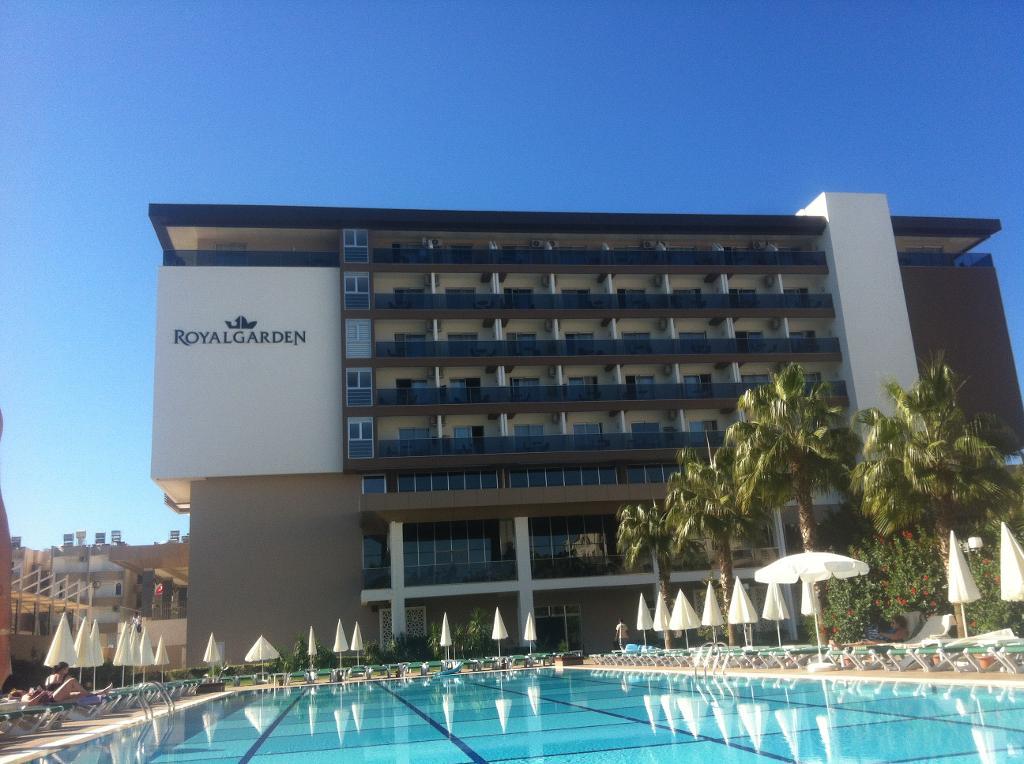 royal-garden-suite-hotel-türkei